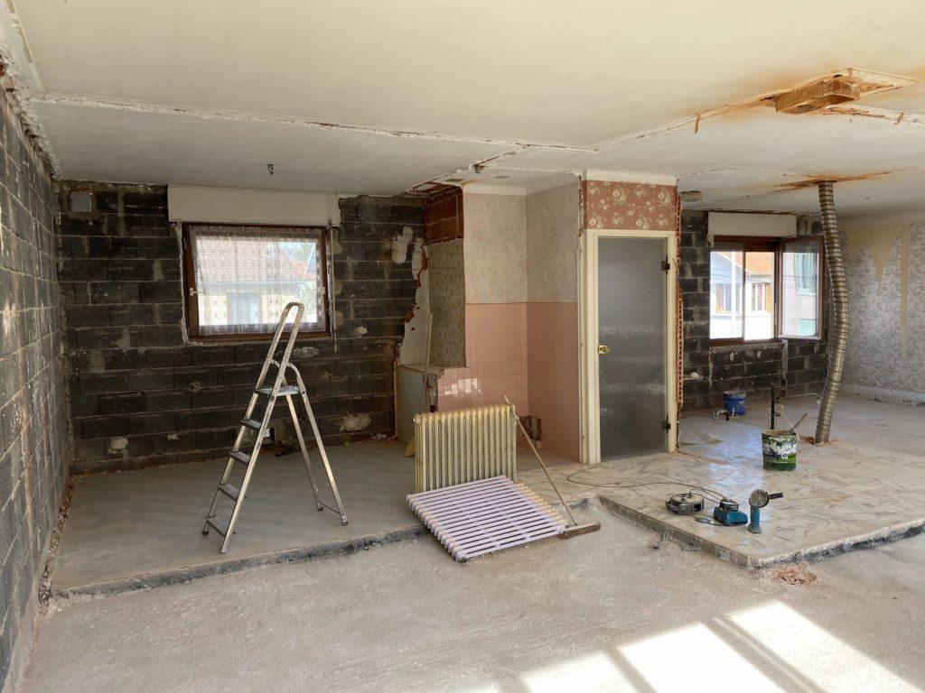 demolition pendant renovation