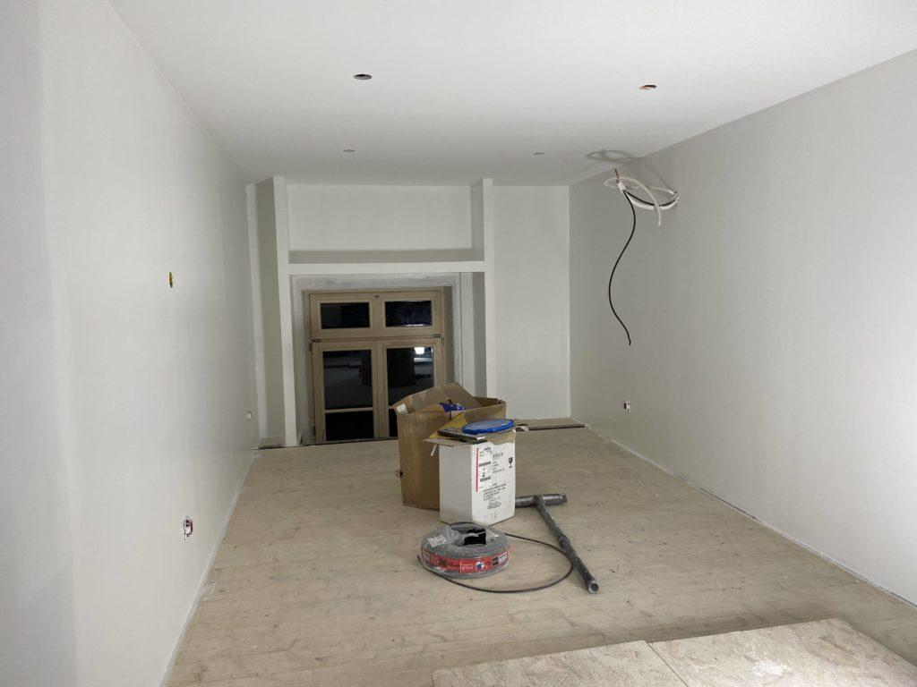 première couche de peinture pour rénovation