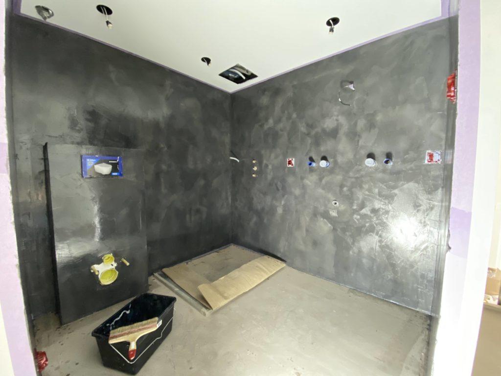 application beton ciré sur les murs